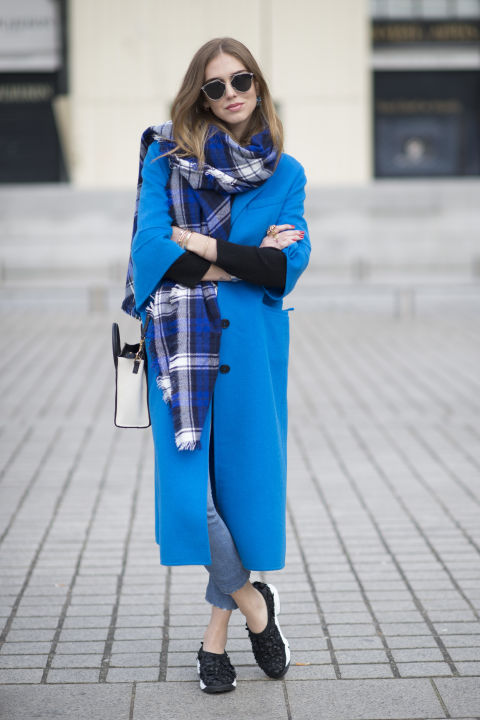 Những chiếc áo coat màu sắc nổi bật vừa giữ ấm vừa thu hút ánh nhìn.