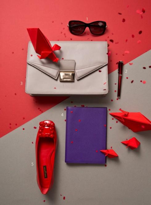 1.Kính mát Cartier 2.Bút Cartier 3.Túi HUgo Boss 4.Bao da bọc sổ Hermès 5.Giày bệt Louis Vuitton