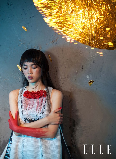 Đầm Valenciani, Vòng cổ Hyorim Lee (Vivekkevin Gallery)