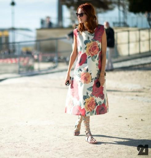 phối quần áo họa tiết hoa
