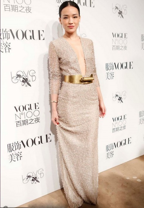 Shu-Qi-in-Hugo-Boss-Vogue-NO.100-Night-In-Beijing-6