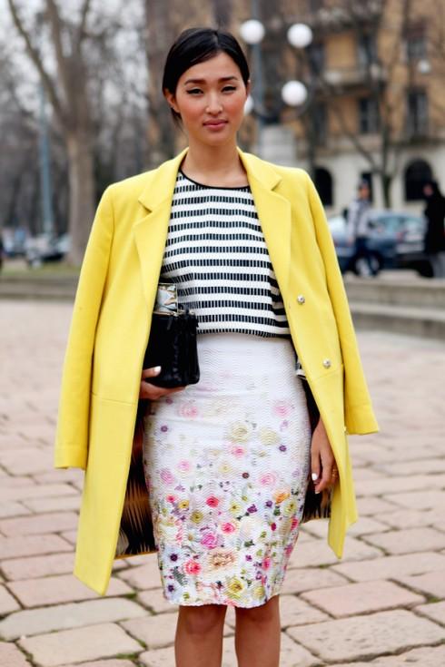 Kết hợp áo khoác với đồ hoa
