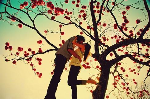 Yêu xa không dễ nhưng chỉ cần thật lòng dành trọn trái tim cho nhau, khoảng cách nào cũng có thể xóa nhòa