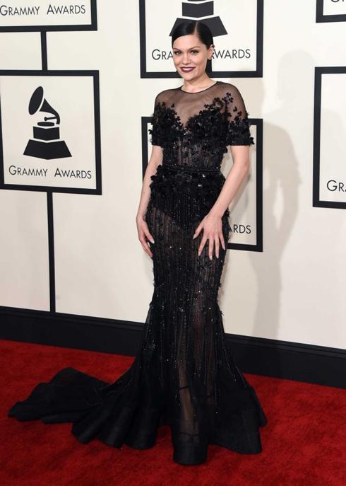 Jessie J dịu dàng với chiếc đầm dạ hội của Ralph & Russo haute couture