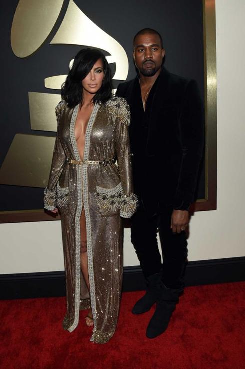 Kanye West và Kim Kardashian trong trang phục Jean Paul Gaultier