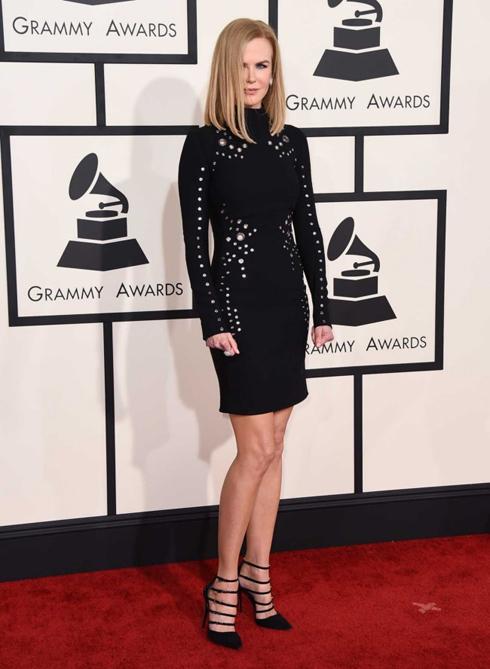 Nicole Kidman với trang phục Thierry Mugler
