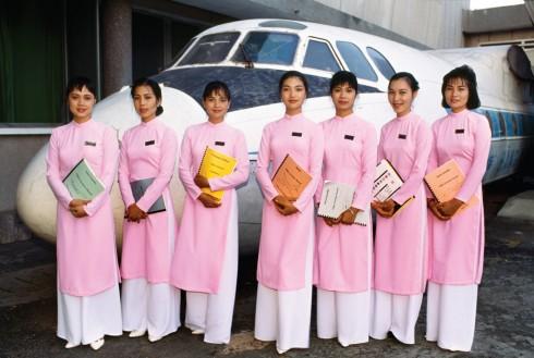 Các nữ học viên tại học viện hàng không của Vietnam Airlines