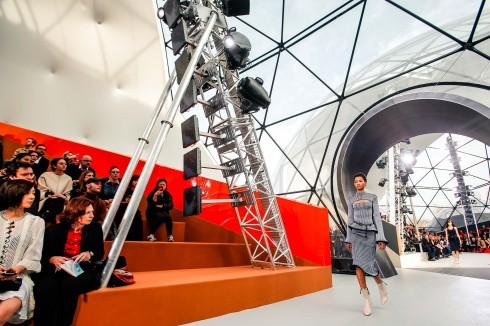 show diễn thu đông 2015 của Louis Vuitton
