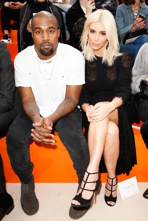 Vợ chồng Kim Kardashian và Kanye West cũng góp mặt trong show.