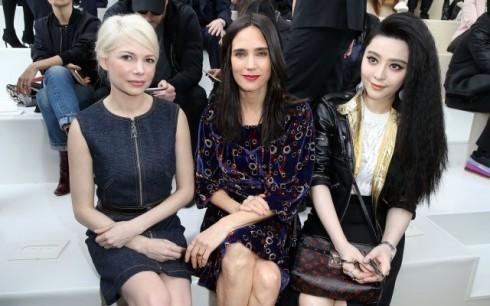 Nữ diễn viên Phạm Băng Băng ngồi hàng ghế đầu bên cạnh Jennifer Connelly (giữa) và Michelle Williams.