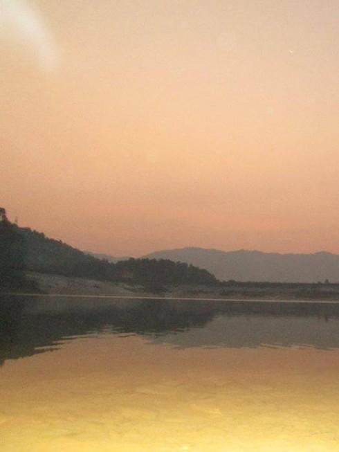 Sự yên bình và nên thơ trong buổi sớm mai