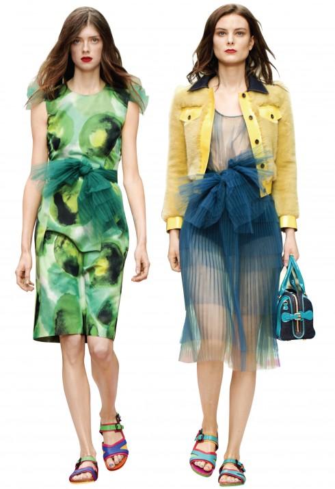 Kỹ thuật nhuộm vải hoàn hảo tạo ra màu sắc đẹp như những bức tranh màu nước trên trang phục.