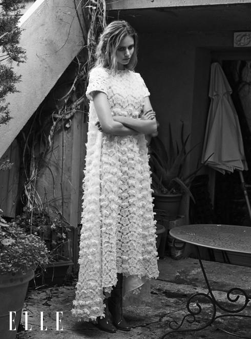 DIOR HAUTE COUTURE<br/>Đầm thêu cườm trắng chất liệu cotton