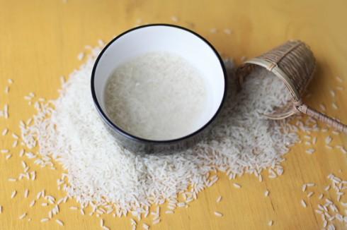 Rửa mặt bằng nước vo gạo