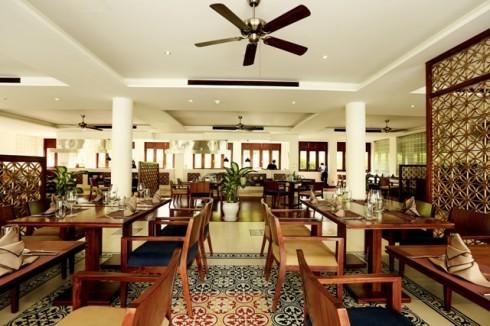 Nhà hàng Four Plates có bốn bếp trình diễn
