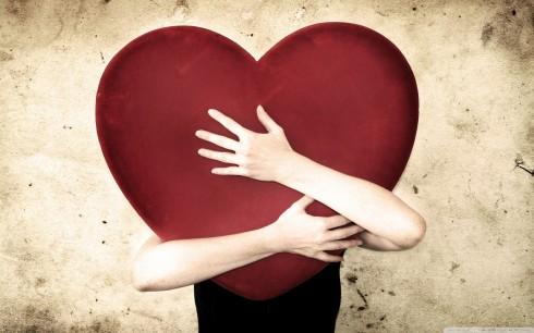 ELLE lắng nghe bạn: Tìm một mối quan hệ xứng đáng