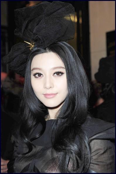 Fan+Bingbing+Long+Hairstyles+Layered+Cut+xyJLYqnUSeRl