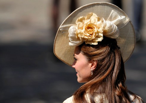Kate-Middleton-Gina-Foster-hat-Zara-wedding