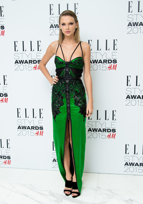 Taylor Swift trong trang phục  Julien MacDonald<br/>ELLE Style Awards 2015