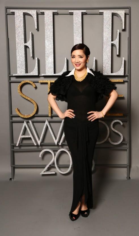Hoa Hậu Đền Hùng Giáng My đen tuyền trong một thiết kế của Jessica