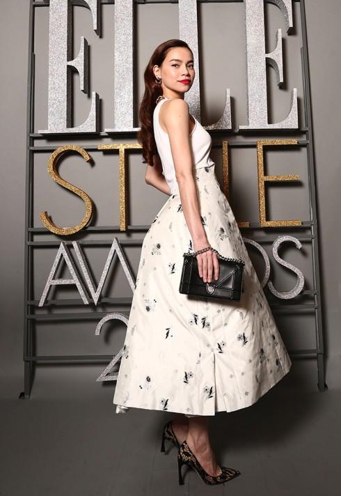 Ca sĩ Hồ Ngọc Hà - Trang phục Dior