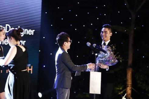 Công Trí xướng tên Lý Quí Khánh là Nhà thiết kế ăn mặc phong cách nhất