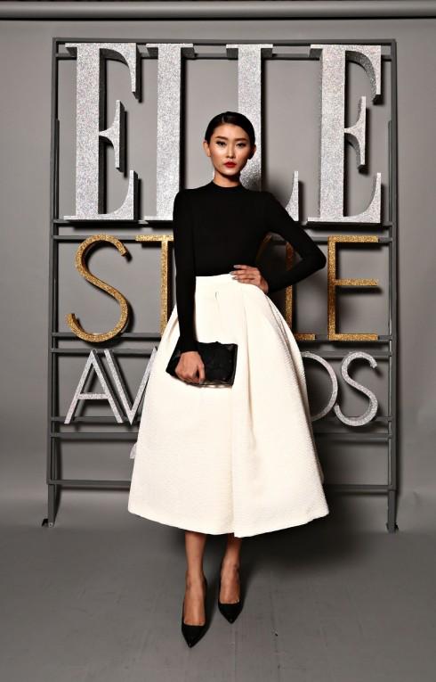 Người mẫu Kim Nhung - Trang phục sang trọng phong cách Minimal của NTK Lâm Gia Khang