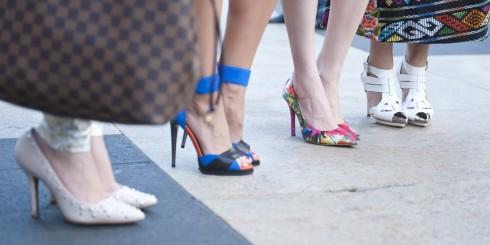 Giày cao gót luôn là món phụ kiện hấp dẫn phụ nữ