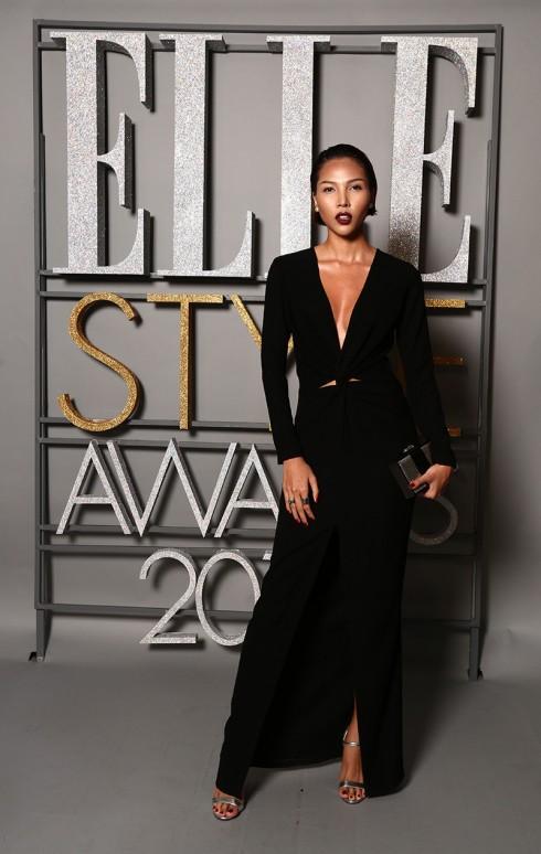 Người mẫu Minh Triệu thả dáng với bộ đầm đen - Trang phục Lâm Gia Khang