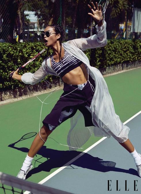 Áo tập Nike, Đầm lụa Lâm Gia Khang, Quần Adidas, Chân váy Martin Margiela (Runway, Vincom), Tất Uniqlo, Giày Urbanista