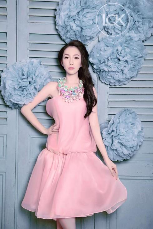Linh Nga cuốn hút trong trang phục NTK Lý Quý Khánh