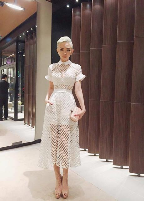 Tóc Tiên cá tính trong trang phục của NTK Lý Quý Khánh