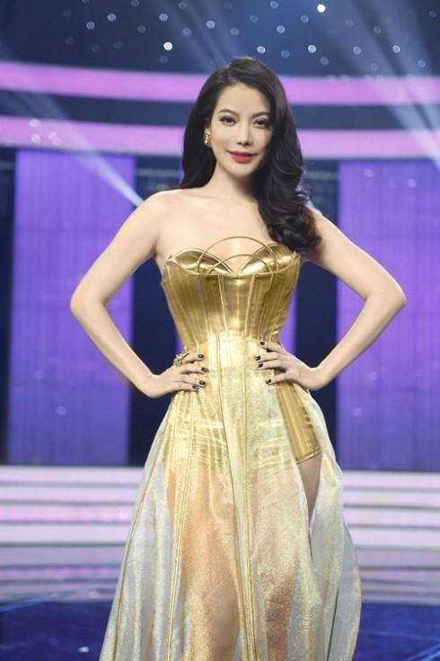 Trương Ngọc Ánh quý phái trong trang phục NTK Lý Quý Khánh