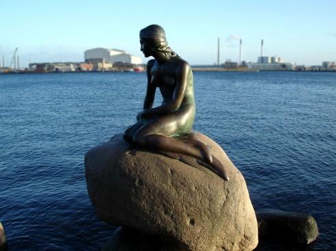 Tượng nàng tiên cá ở Đan Mạch