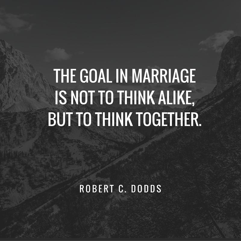 Đích đến của tình yêu không phải là hai người nghĩ giống nhau mà là cùng nhau suy nghĩ.