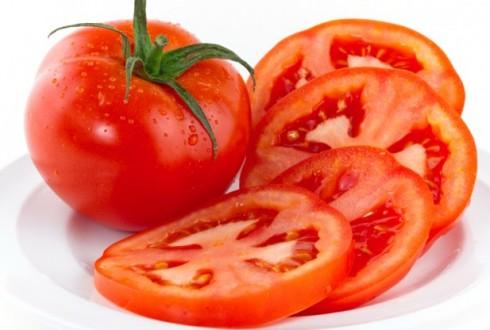 Cà chua có rất nhiều vitamin tốt cho da mặt