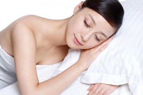 Ngủ đủ giấc giúp làn da đẹp