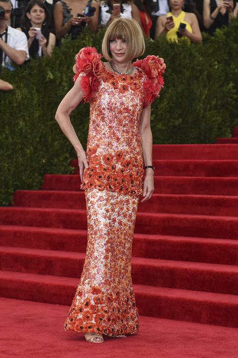 Tổng biên tập của Vogue, chủ trì đêm tiệc - Anna Wintour