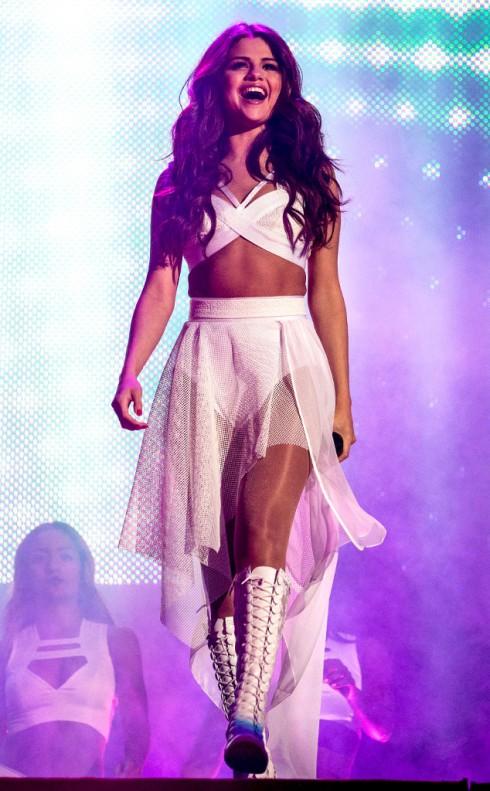 Một Selena cá tính trên sân khấu