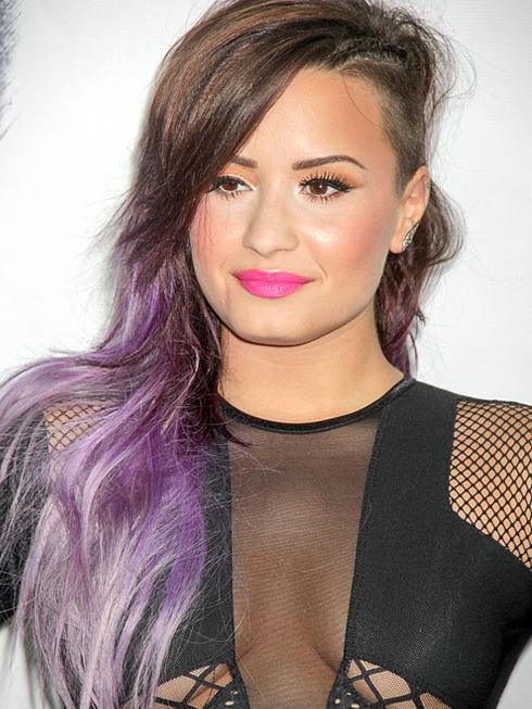 Thời trang tóc ấn tượng Demi Lovato