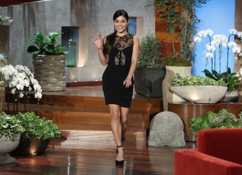 Vanessa Hudgens thanh lịch trong một chương trình Talk Show
