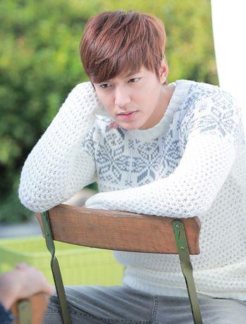 Lee Min Ho trở về với hình ảnh học sinh trong The heirs