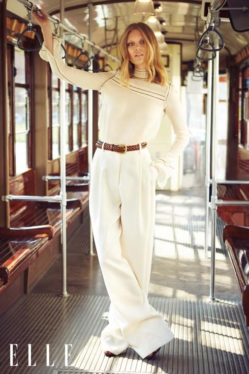Áo sơmi Prada, Quần Trussardi, Thắt lưng và sandals Gucci