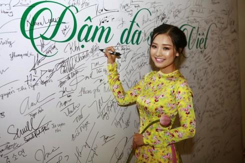 Nét duyên dáng của người phụ nữ Việt Nam