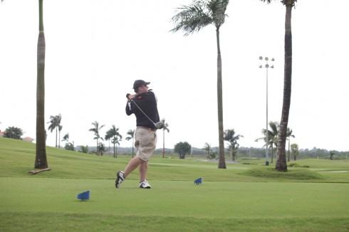 Thi đấu golf gây quỹ từ thiện