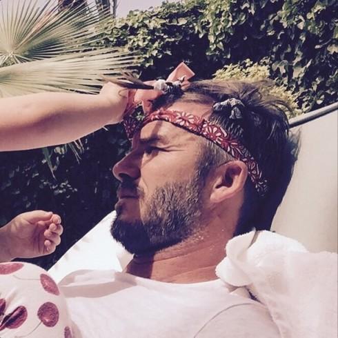 Một hình ảnh dễ thương khác của hai bố con trên Instagram của David Beckham