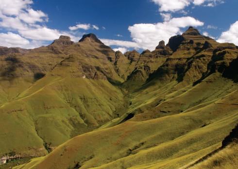 Quang cảnh núi Drakensberg và khu bảo tồn KwaZulu-Natal