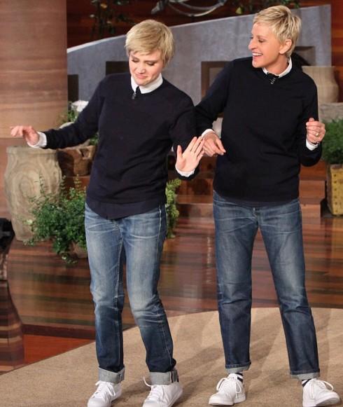 Có 1 Ellen thứ 2 gần như hoàn hảo do Kate McKinnon hóa trang.