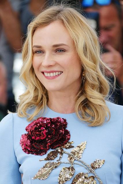 Diane Kruger đẹp tinh khôi như một đóa hoa