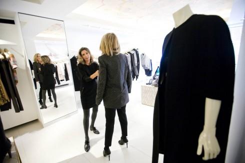 Melanie Payge với vai trò Personal Shopper, tư vấn hình ảnh và chia sẻ nhiều kinh nghiệm quý giá khi shopping tại Milan